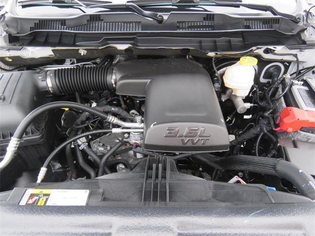2019 RAM 1500 CLASSIC EXPRESS QUAD CAB 4X2 6