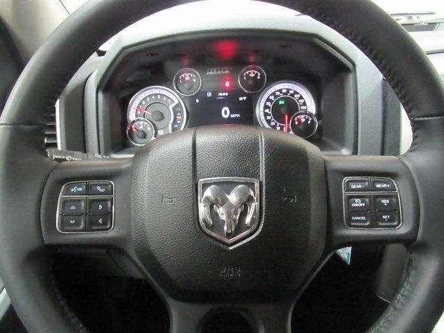 2016 Ram 1500 SLT