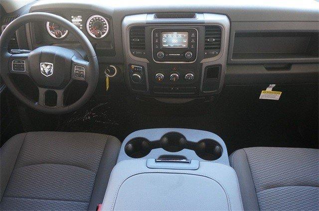 2019 RAM 1500 CLASSIC TRADESMAN QUAD CAB 4X2 6