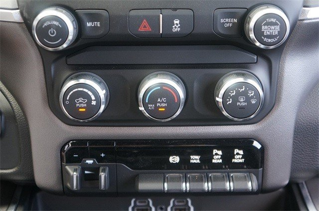 2019 RAM 3500 BIG HORN MEGA CAB 4X4 6